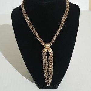 Monet gold tone necklace 1t1